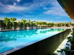 Century Kuching Hotel Kuching - Bể bơi