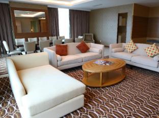Century Kuching Hotel Kuching - Phòng Suite