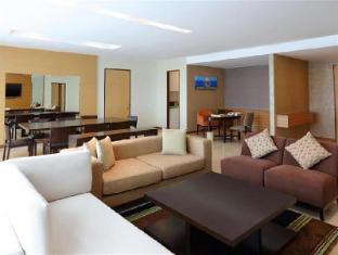 Century Kuching Hotel Kuching - PremierDeluxe Suite - Living Room