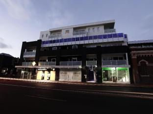 Tyrian Serviced Apartments Melbourne - Exterior