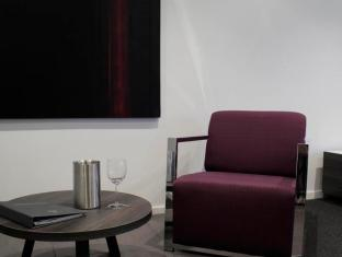 Tyrian Serviced Apartments Melbourne - Guest Room
