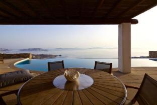 /mykonos-crystal-resort/hotel/mykonos-gr.html?asq=vrkGgIUsL%2bbahMd1T3QaFc8vtOD6pz9C2Mlrix6aGww%3d