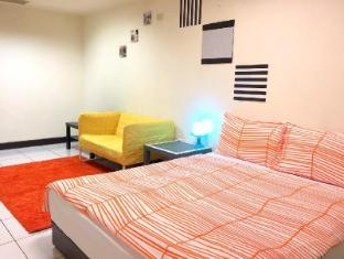 (4)Double bed room-3 mins walk to Fuzhong MRT Station