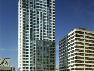 /sl-si/carmana-plaza/hotel/vancouver-bc-ca.html?asq=m%2fbyhfkMbKpCH%2fFCE136qbXdoQZJHJampJTaU6Q8ou26UvQZ%2fA2qPz1Oo7VfUm70