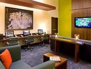 /courtyard-seattle-downtown-pioneer-square/hotel/seattle-wa-us.html?asq=jGXBHFvRg5Z51Emf%2fbXG4w%3d%3d