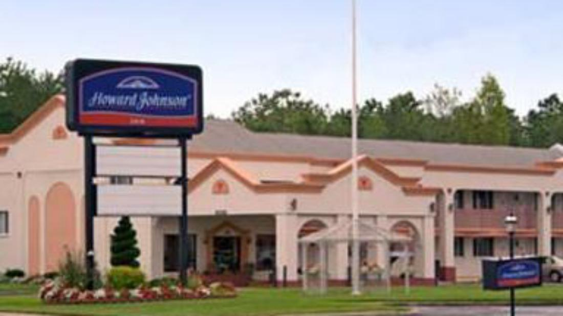 Howard johnson hammonton hotel hammonton nj united for Aroma royal thai cuisine nj