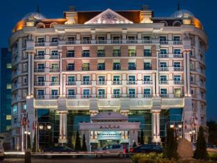/de-de/rixos-almaty-hotel/hotel/almaty-kz.html?asq=5VS4rPxIcpCoBEKGzfKvtE3U12NCtIguGg1udxEzJ7nZRQd6T7MEDwie9Lhtnc0nKViw1AnMu1JpKM9vZxUvIJwRwxc6mmrXcYNM8lsQlbU%3d
