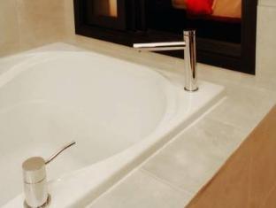/sterling-inn-spa/hotel/niagara-falls-on-ca.html?asq=jGXBHFvRg5Z51Emf%2fbXG4w%3d%3d