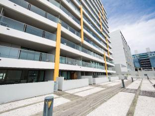Modern Central and Spacious 3 Bedroom Apartment