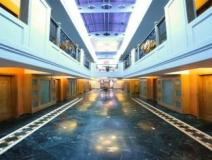 Hotel Yogi Metropolitan: interior