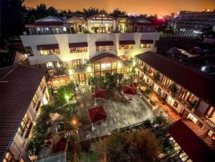 /ja-jp/red-wall-garden-hotel-wangfujing/hotel/beijing-cn.html?asq=bEOk5kgO1uc0vdacVlznaRlyrX1qk0WRtSm3VBEZTdGMZcEcW9GDlnnUSZ%2f9tcbj