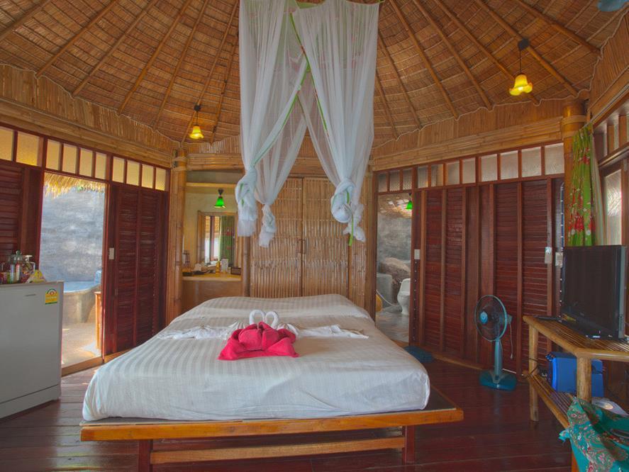 Koh Tao Bamboo Huts13