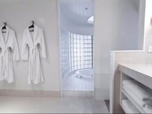 James Cook Grand Chancellor Hotel Wellington - Bathroom