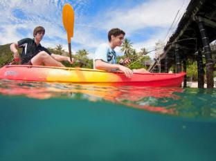 Fitzroy Island Resort Cairns - Kayaking