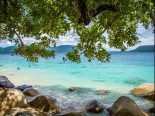 Fitzroy Island Resort Cairns - Beach Views