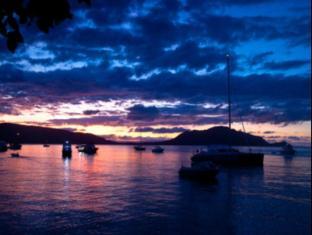 Fitzroy Island Resort Cairns - Fitzroy at night