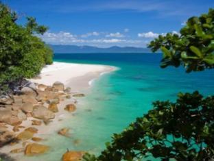 Fitzroy Island Resort Cairns - Nudey Beacg