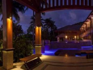 Fitzroy Island Resort Cairns - Main Pool