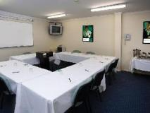 Quest Windsor Apartments: meeting room