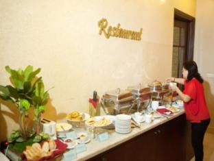 Hanoi Hasu Hotel Hanoi - Buffet Breakfast Line