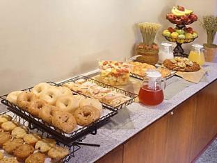 Hanoi Hasu Hotel Hanoi - Buffet Breakfast Lines