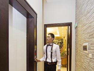 Hanoi Hasu Hotel Hanoi - Elevator Entrance