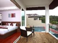 Penthouse 2 Kamar Tidur dengan Kolam Renang