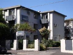 Australia Hotel Booking | Barkly Apartments
