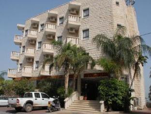 /sl-si/aviv-holiday-flat/hotel/tiberias-il.html?asq=vrkGgIUsL%2bbahMd1T3QaFc8vtOD6pz9C2Mlrix6aGww%3d