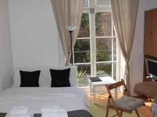 Studios 2 Let Hotel London - Economy Studio