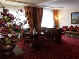 Proton Business Hotel Moscow - Suite Living Room