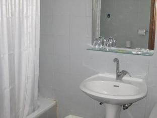 Zion Hotel Jerusalem - Bathroom