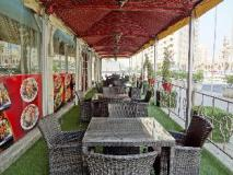 Baiti Hotel Apartments: restaurant