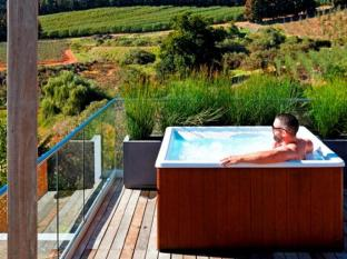 Clouds Wine and Guest Estate Stellenbosch - Honeymoon Suite Jacuzzi
