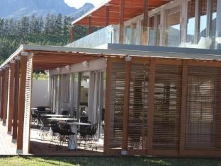 Clouds Wine and Guest Estate Stellenbosch - Terrace and Exterior