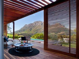 Clouds Wine and Guest Estate Stellenbosch - Terrace with Mountain Views