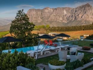 Clouds Wine and Guest Estate Stellenbosch - Swimming Pool