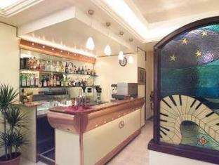 /hotel-luna-rossa/hotel/naples-it.html?asq=jGXBHFvRg5Z51Emf%2fbXG4w%3d%3d