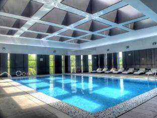Zobon Art Hotel Zhuhai - Swimming Pool