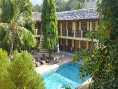 Hotel in Philippines Puerto Galera   La Laguna Beach Club & Dive Center