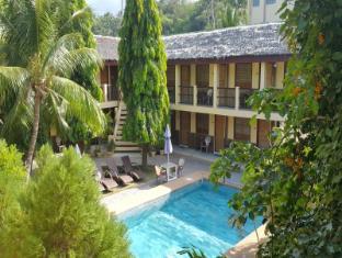 /la-laguna-beach-club-dive-center/hotel/puerto-galera-ph.html?asq=jGXBHFvRg5Z51Emf%2fbXG4w%3d%3d