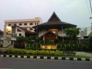 /hotel-baron-indah/hotel/solo-surakarta-id.html?asq=vrkGgIUsL%2bbahMd1T3QaFc8vtOD6pz9C2Mlrix6aGww%3d