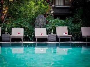 Sri Ratih Cottages Bali - Pool at Sri Ratih