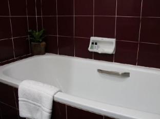 B.S. Court Hotel Bangkok - Bathroom