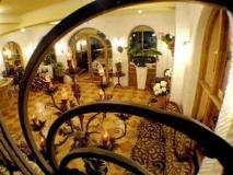 R&R Hotel: interior