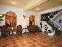 R&R Hotel: lobby