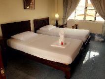 Lalco AK Hotel: guest room