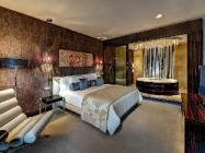 Suite King Bed