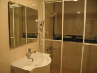 Simply Life Hotel Taipei - Bathroom