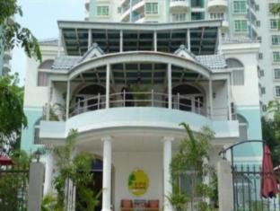 Golden Beach Villa